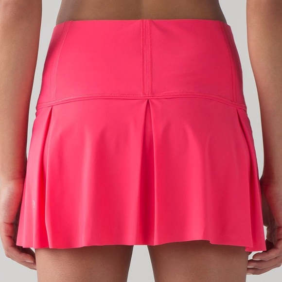 "lululemon athletica Dresses & Skirts - Lululemon Lost In Pace Skirt (Regular) (13"") Sz 6"